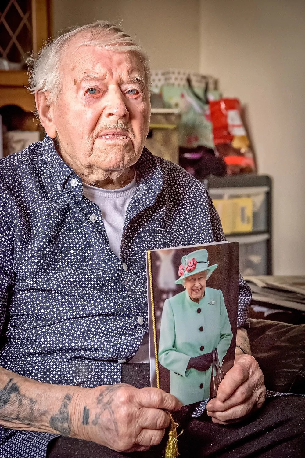 Second World War veteran Fred Holding celebrated his 100th birthday with a card from the Queen